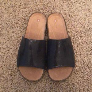 NWOT Clark's Unstructured black slipon sandals 9.5